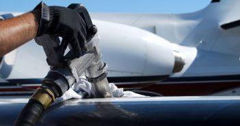 Mengsel van plastic brandstof vliegtuig