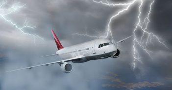 Blikseminslag vliegtuig video