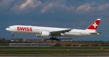 Swiss Boeing 777 noodlanding